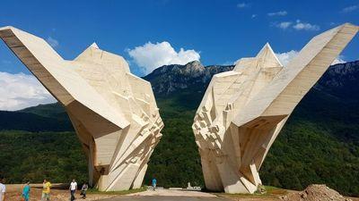 Spomenik na Sutjesci